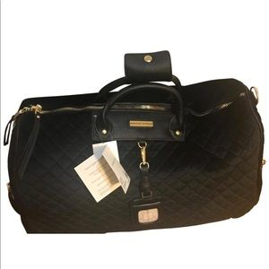 ADRIENNE VITTADINI: LUXE Quilted Weekender Bag!